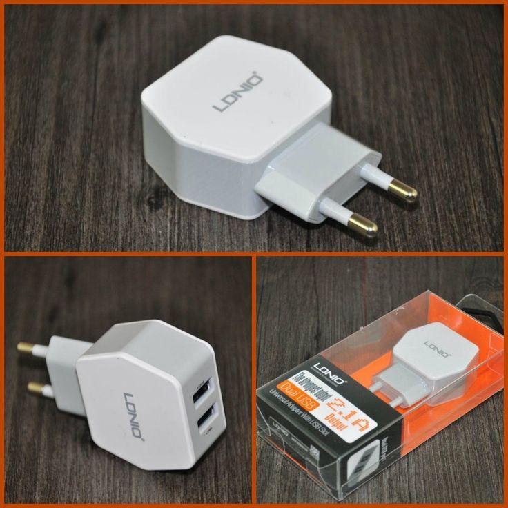 Cargador Enchufe Pared Con Doble Puerto USB modelo 9352 - Cargador de móvil con doble salida USB para que puedas cargar 2 dispositivos al mismo tiempo. Si tienes pocas tomas de corriente este cargador es indicado para ti, ya que puedes cargar 2 dispositivos móviles al mismo tiempo. Compatible con Productos Apple, Samgung, LG, HTC, Sony, Nokia , BQ, H... - http://www.vamav.es/producto/cargador-enchufe-con-doble-puerto-usb-modelo-9352/