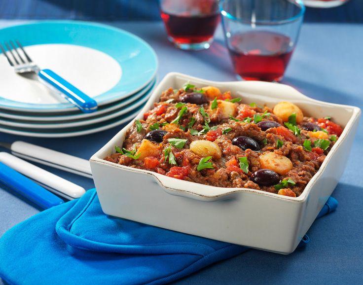 Voor als ik eens veel tijd heb: Stifado,  is een Grieks stoof- en eenpansgerecht. Het wordt gegeten door de pan midden op tafel te plaatsen, waarna de eters een portie op hun bord of in een kommetje scheppen.