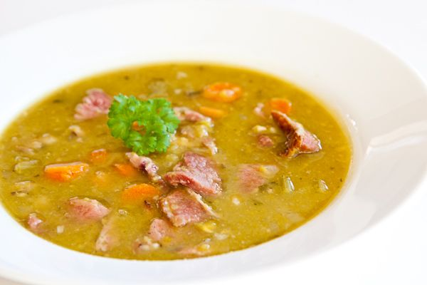 Split pea and ham soup is so surprisingly easy, especially in a pressure cooker. It takes about 3 minutes of chopping, 4 minutes of pressure cooking time and then 20 minutes to just let it sit. My friend, Wendy taught me her version, which actually comes from the back of the package of split peas!