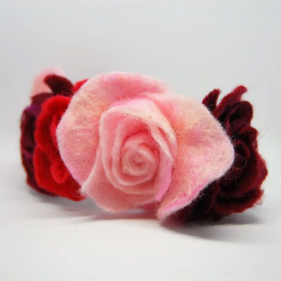 Check out this item in my Etsy shop https://www.etsy.com/uk/listing/517654052/felted-english-rose-garden-inspired