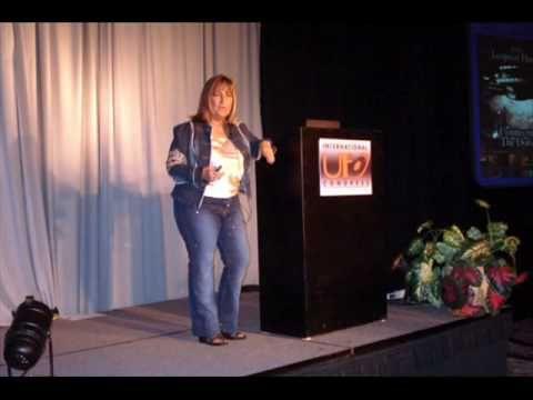 CONTACTO ALIEN - PAOLA HARRIS Interview -ESPAÑOL /  ENGLISH- (29-06-09) 1/6 - YouTube