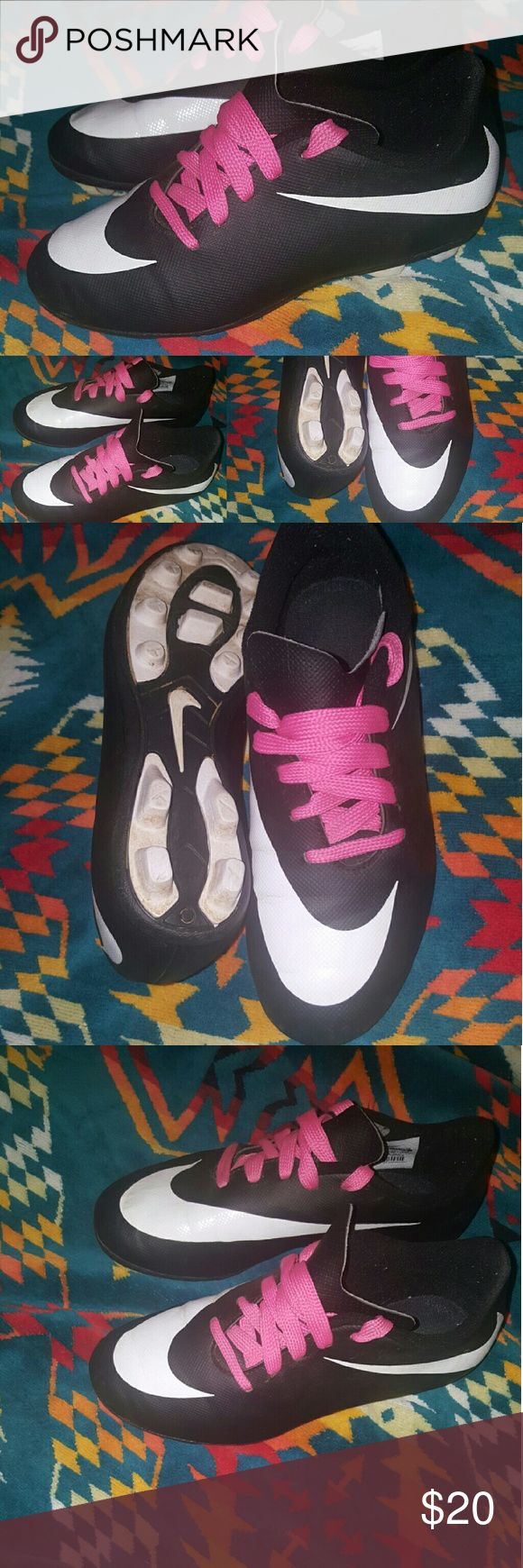 NIKE KIDS CLEATS SOCCER 2.5 Y YOUTH athletic NIKE NICE STYLE KIDS CLEATS HARDLY WORN 2.5 Y Nike Shoes Sneakers