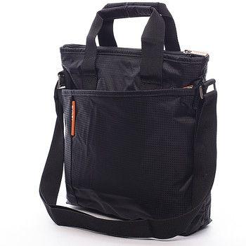 #Diviley #taška Černá taška přes rameno Diviley z textilu. Zajímavě řešená taška přes rameno s popruhem, ale zároveň s uchem na uchopené do ruky. Asymetrická kapsa na zip vévodí celému designu. Uvnitř velké kapsy najdete prostor pro uložení 10'' tabletu. Zepředu i zezadu navíc nechybí kapsa na zip. Ideální pro volný čas.