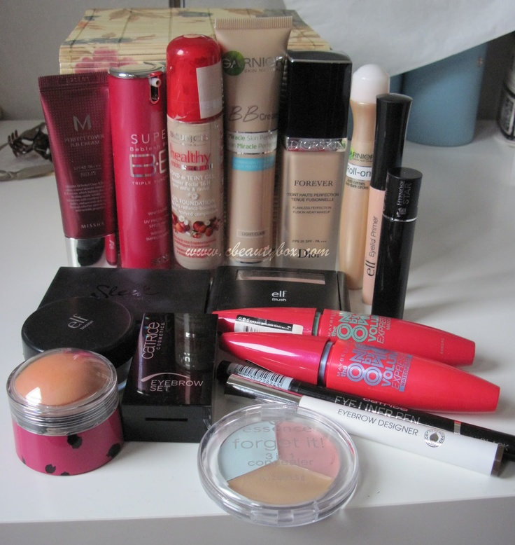 Cristina's Beauty Box | Beauty Blog : In my makeup box: October