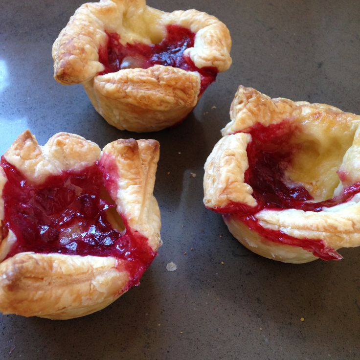 Cranberry brie pies
