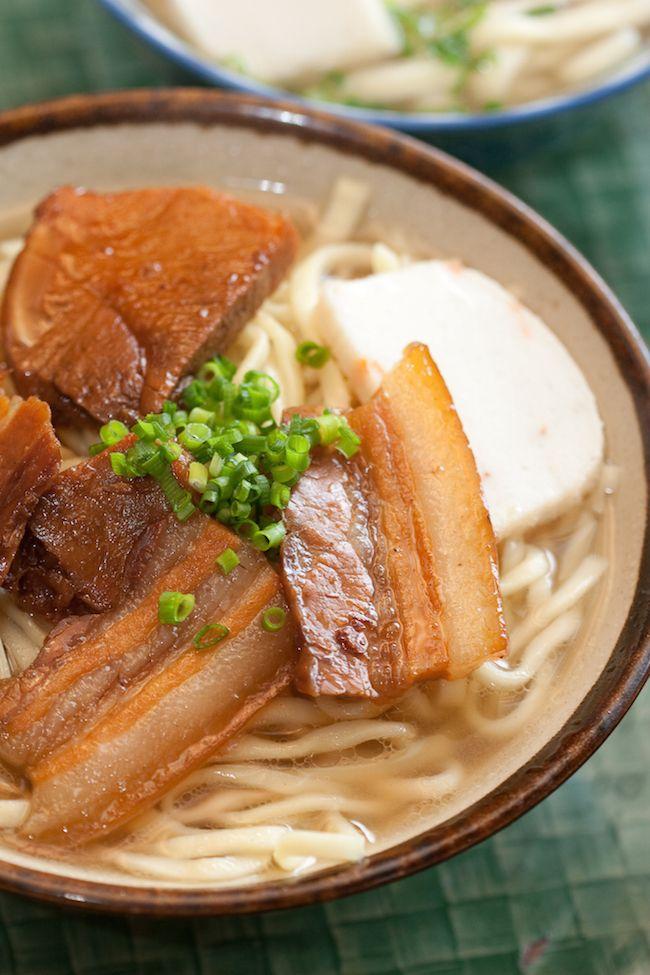 沖縄そば屋「山原そば(本部町)」の三枚肉そば