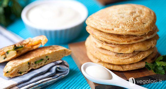 Questa mini frittata senza uova è una vera delizia: facile da preparare e bellissima da portare in tavola: prova la ricetta di Vegolosi.it!
