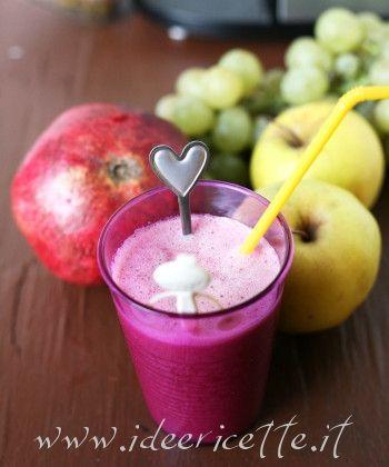 Ricetta Centrifuga di uva, mela e melagrana