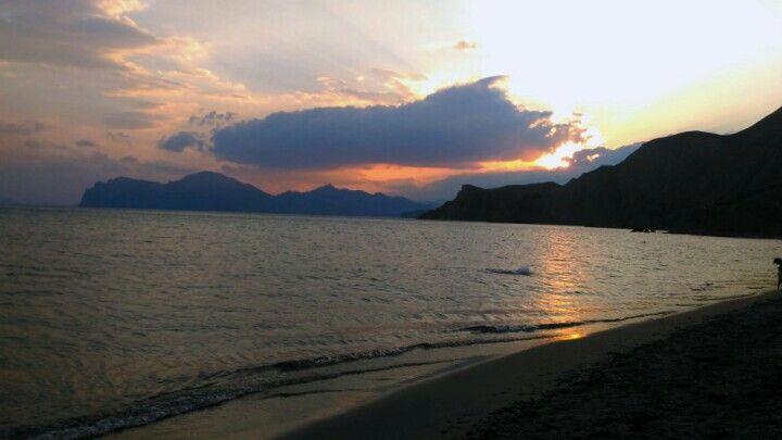 Evening. Seashore.