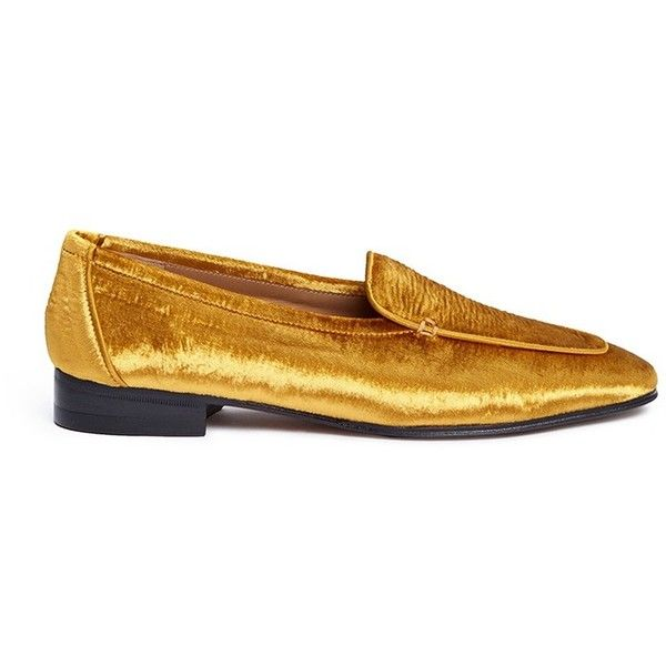 The Row 'Adam' velvet loafers (€650) ❤ liked on Polyvore featuring shoes, loafers, metallic, the row shoes, loafers moccasins, velvet shoes, metallic loafers and metallic shoes