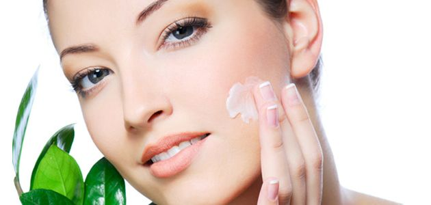 Thou Shalt Not Forget...  Article on the importance of moisturising the skin #makemeup #skincare