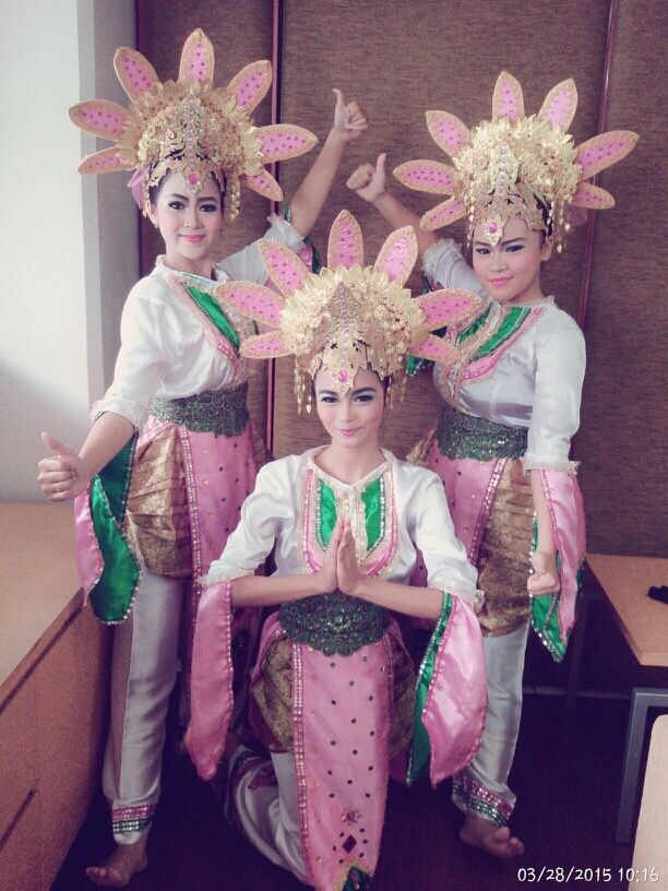 Zapin Dance - Riau Province #Traditional #Dance #Indonesia