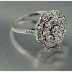 Wit gouden entourage ring met roos geslepen en oud Europees geslepen diamant