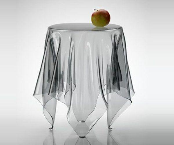 optische täuschungen und tischdecke transparent