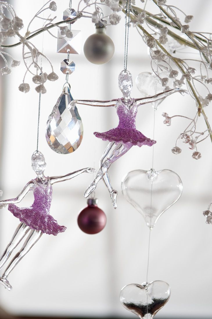 Romantiche ballerine di cristallo da appendere all'albero di Natale più romantico #Christmas #pink #Crystal