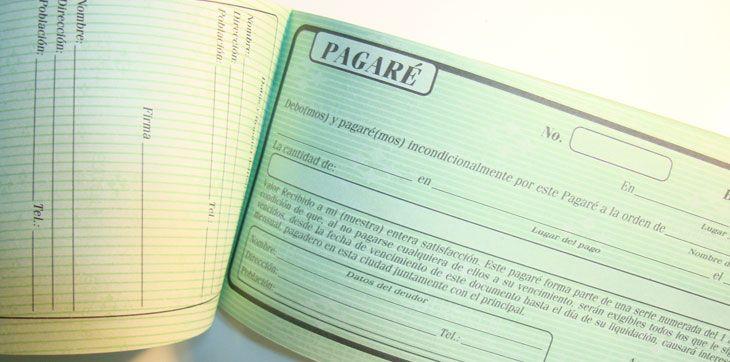 Un pagaré es un dinero que ya se debe y que alguien, mediante un documento que tiene la firma de la persona que debe el dinero, se está comprometiendo a pagar a otra persona.  http://www.descuentopagares.net/que-es-un-pagare.php