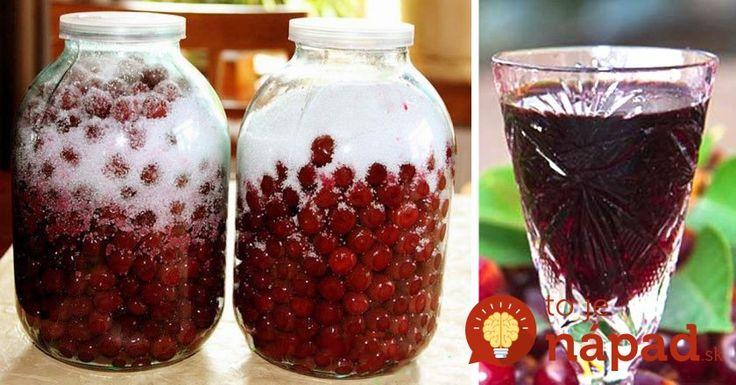 Vynikajúci domáci likér zo sladučkého ovocia, ktoré práve v tomto období dozrieva na našich záhradách. Navyše, na jeho prípravu postačia len 3 prísady, ktoré máte práve teraz doma možno aj vy. Pripravte si ho aj vy!