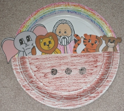 Noah 39 s ark paper plate craft great printouts for animals for The ark of craft