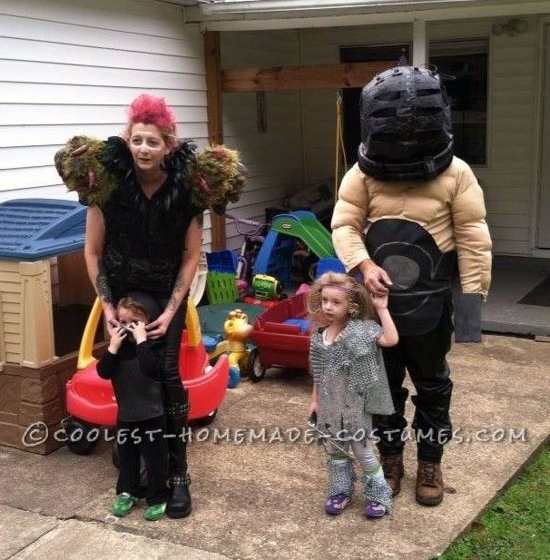 Halloween Costumes For Family Of 3