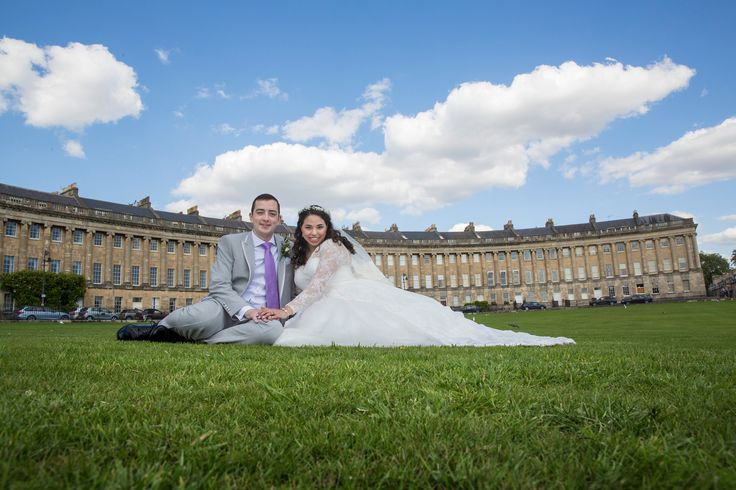 Bride & Groom at Royal Crescent, Bath #wedding #weddingphotography #Bathphotographer #bride #bridal #groom #couple #Bath #royalcrescent #grass #summerwedding #summer #sunny