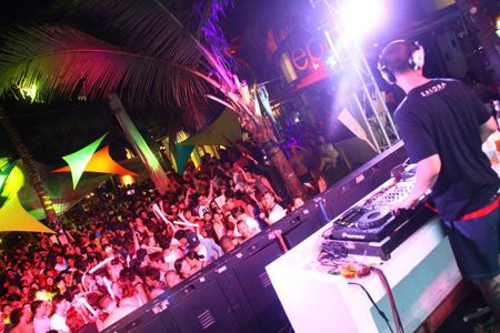 Boracay Island Nightlife: Top 7 Places to Party - Yahoo News Philippines