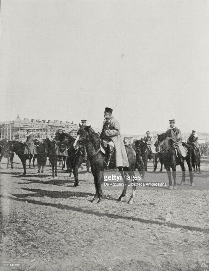 Japanese General Nogi Maresuke mustering troops in Port Arthur, China, Russo-Japanese War, photograph by Underwood, from LIllustrazione Italiana, Year XXXII, No 14, April 2, 1905