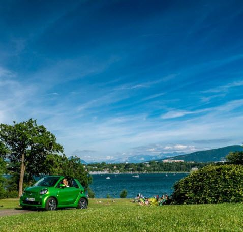 Hello Spring!! #smart #smartfortwo #spring #smart453 #green #sky #blue #wonderful #time #nature