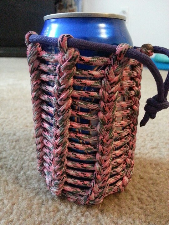 79 best paracord images on pinterest paracord projects for Paracord koozie how to make