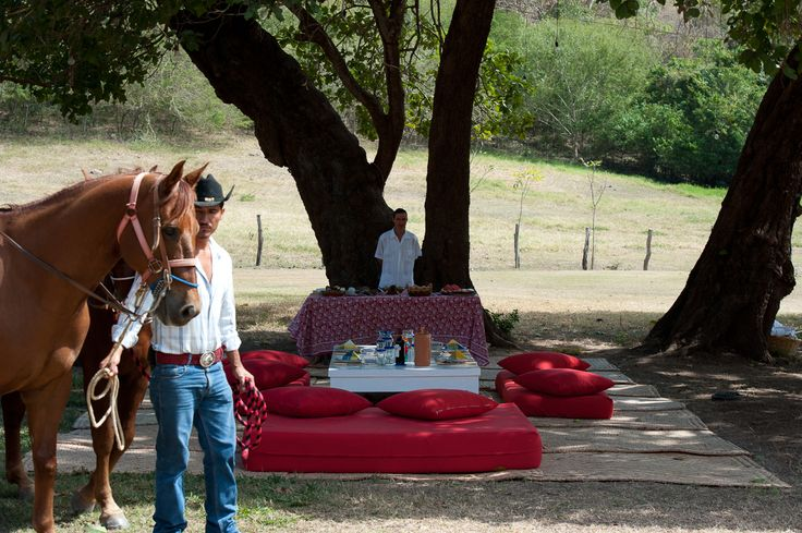 Horseback riding to lunch Cuixmala