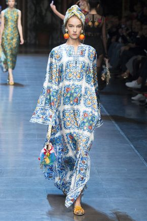 Dolce & Gabbana - A punchy, printed caftan delivers a contemporary take on Talitha Getty style.