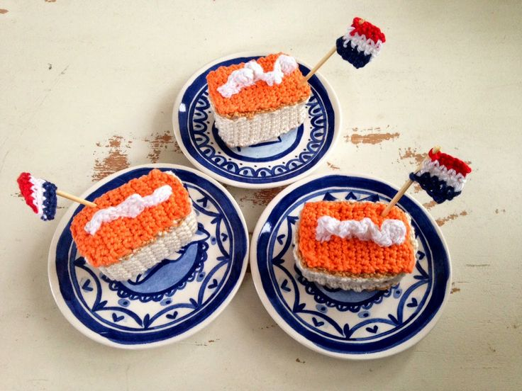 Free crochet pattern for Dutch pastries to celebrate the King's birthday