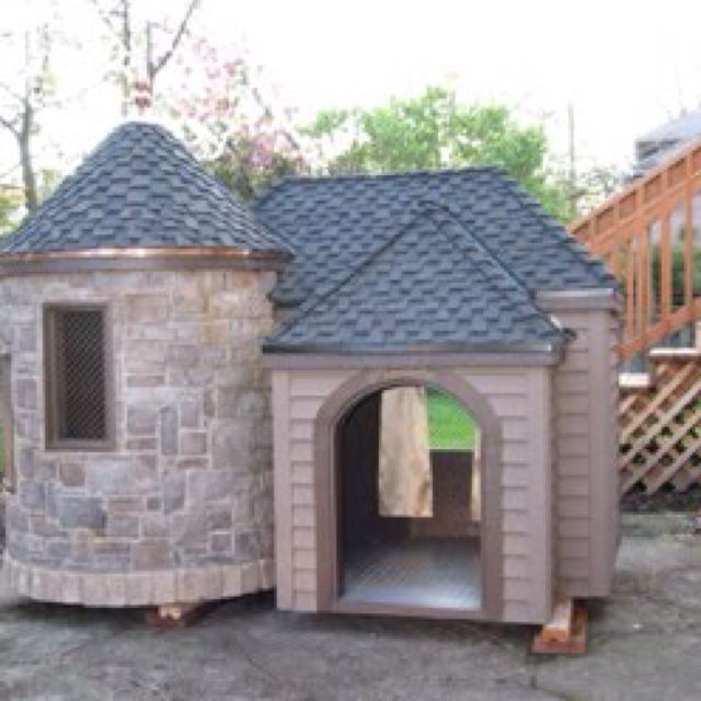 Best 25 luxury dog house ideas on pinterest outdoor dog houses diy dog kennel and dog rooms - Luxury outdoor dog houses ...