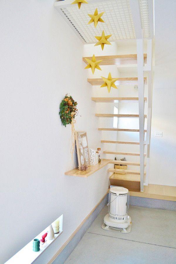* 階段下のディスプレイを冬仕様に・・・ *|めがねとかもめと北欧暮らし