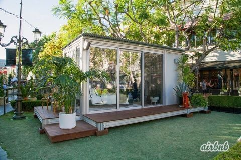 Lake Bell and Molly Sims show off their style in pop-up housing for Airbnb