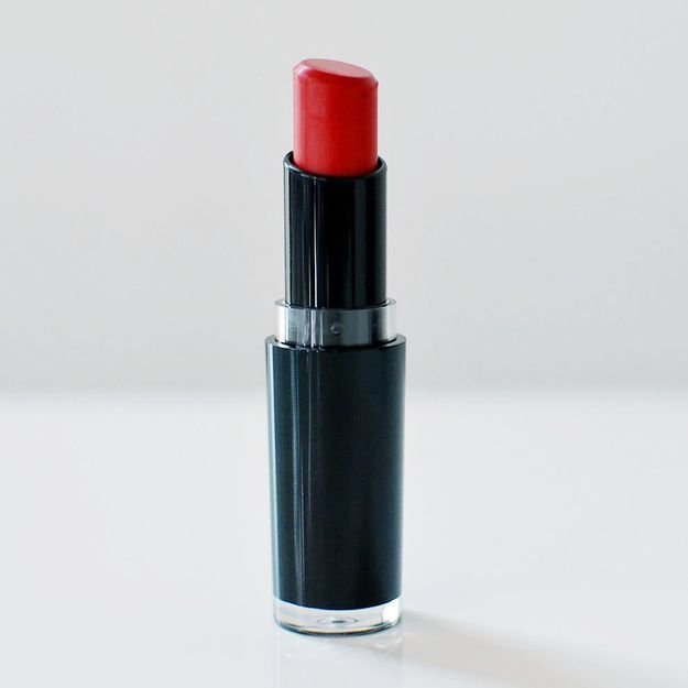 Wet n Wild MegaLast Lippenfarbe 911D in Stoplight Red, 1,99 $ | Probefahrt: rote Leber … – Rot