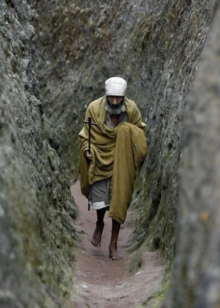 Old Ethiopian priest along the way - © ?
