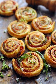 chorizo ricotta basil roules Pizza roulée puis découpée avant cuisson, idéal brunch apéro et apéro dînatoire