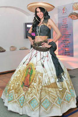 Años Mexicanos, Trajes Mexicanos, Mexicanos Estilizados, Vestidos Charras, Vestidos De Novia, Trajes Típicos, De Escaramuza, Escaramuza Vestidos,