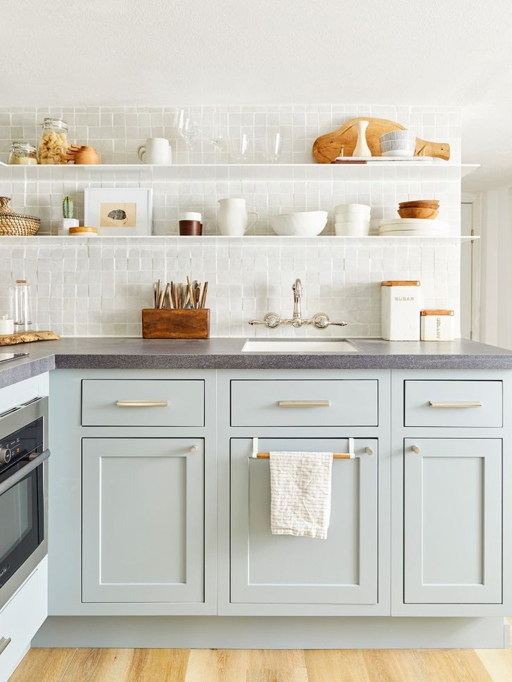 9 Dated Renovation Trends Interior Designers Are Ready To Say Goodbye To Best Kitchen Cabinets Kitchen Cabinet Colors Popular Kitchen Colors