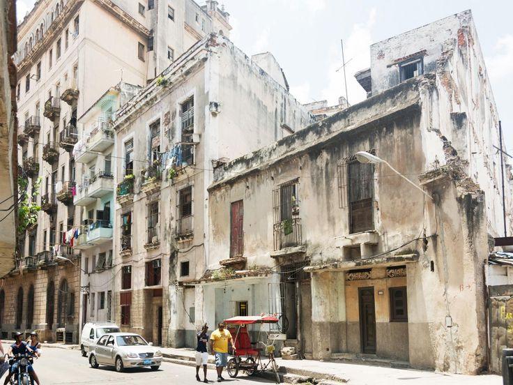 deteriorating building, Cuba