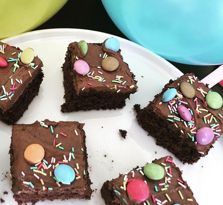 Jeg digger sjokoladekake, men ikke ukritisk. Jeg har bakt mange oppskrifter, og det er kun få av de som lever opp til kriteriet og får plass her. Men, denne oppskriften mine damer og herrer, den er…
