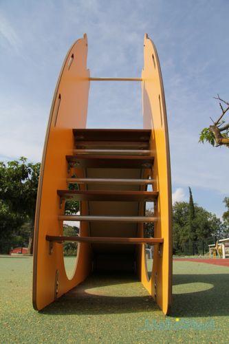 glijbaan Toby #buitenspelen #spelen #Quali-Cité #gezond #kinderen #spelenindewijk #school #schoolplein #kleurrijk #duurzaam #bewegen #fantasie #spelen #buurt #wijk #speelveld #buurtplein #habistad #speeltoestellen #outside #kidsplaying #plezier #kleurrijk #buitenlucht #glijbaan #rvs #starboard #glijden #veiligspelen