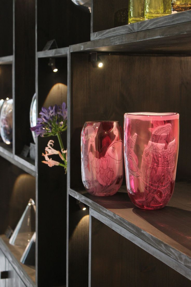 Glass of critiques (Lasillinen kritiikkiä) pop-up exhibition at the Gallery Mafka&Alakoski during the Night of the Arts (Taiteiden Yö) Helsinki in August 2017. The pop-up exhibition welcomed visitors to give feedback of artwork by young awarded glass artist & designers: Marja Hepo-aho, Sini Majuri and from design studio TuominenPatel Terhi Tuominen and Jitan V. Patel.