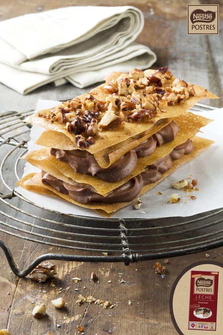 Milhojas crujientes de chocolate y nueces