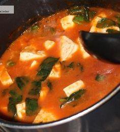 Receta: Cazuela de panela con espinacas en salsa de jitomate