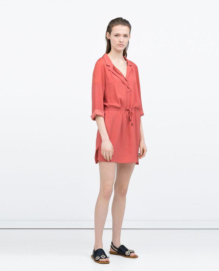 Vestido túnica coral de Zara