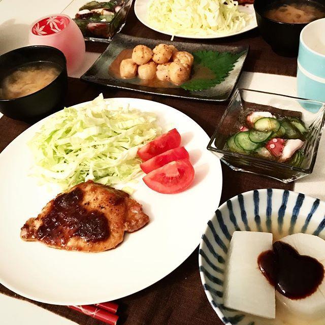 今日の晩ごはん🍴 ・トンテキ ・蛸ともずくの酢の物 ・ホタテバター醤油 ・風呂吹き大根 ・蓮根と玉ねぎのお味噌汁 ごはん炊くの忘れたー( ;∀;) #晩ごはん #ばんごはん #夜ごはん #よるごはん #cooking #cookingram #クッキングラム #ふたりごはん #手料理 #dinner #和食 #japanesefood #肉