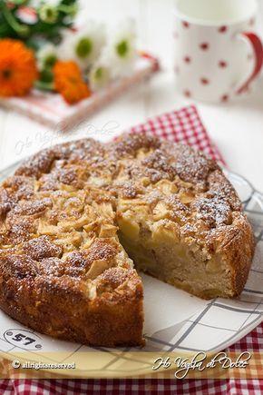 Torta di mele a cubetti, ricetta facile, veloce e genuina. Torta di mele con cubetti sia nell'impasto che in superficie è sofficissima e umida. Troppo buona