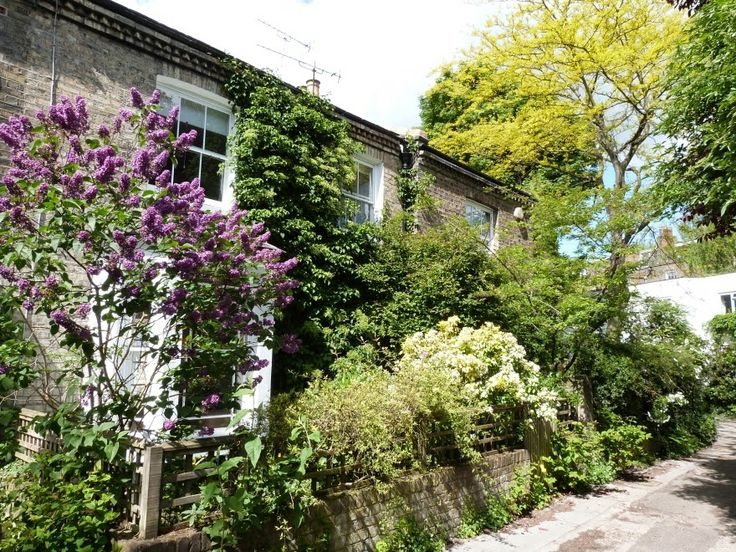 .Cottages tucked away in Kentish Town, London
