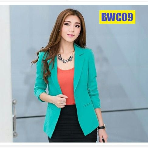Cantik dalam desain blazer kerja wanita
